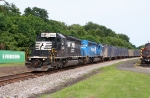WB 65J With A Pair of SD40-2s
